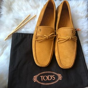 Brand new Tod men suede driving shoes in size 7